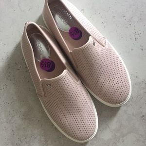 Michael kors pink sneakers size 8.5 nwt